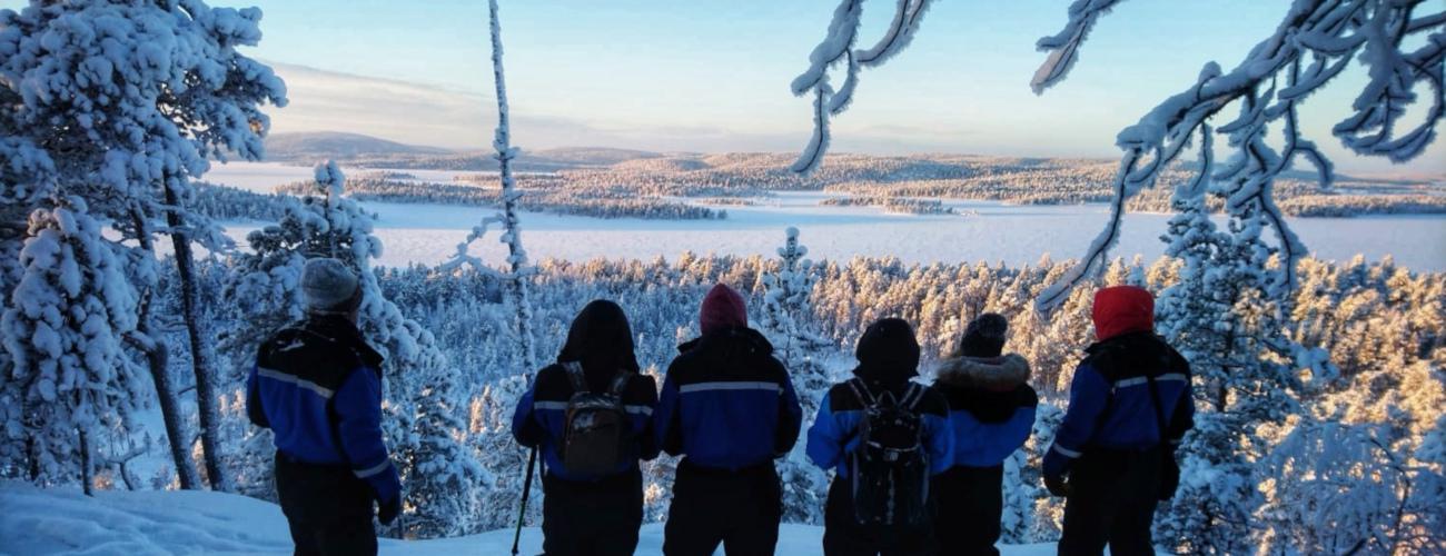 Travesía de Lemmenjokki con raquetas de nieve