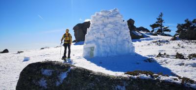 Raquetas de nieve + construcción de Iglú + trineo